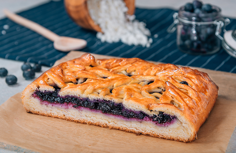 Заказать пирог с черникой и творогом 1кг