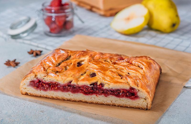 Заказать пирог с малиной и грушей 1кг